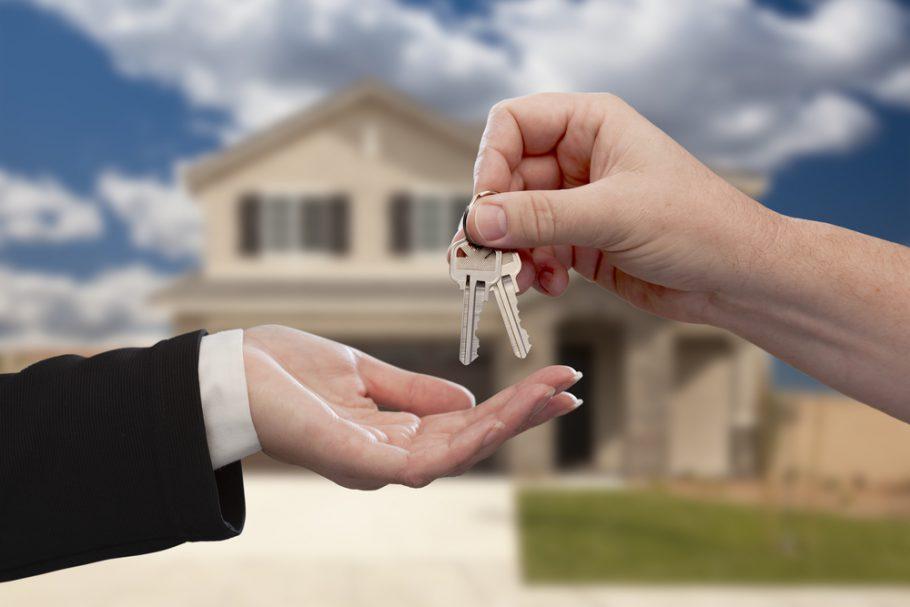 Kto opłaca notariusza przy zakupie nieruchomości?